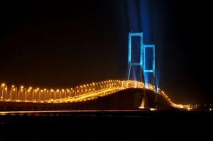Jembatan Suramadu